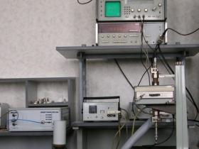 Установка для измерений температурных  коэффициентов частотных характеристик ДР